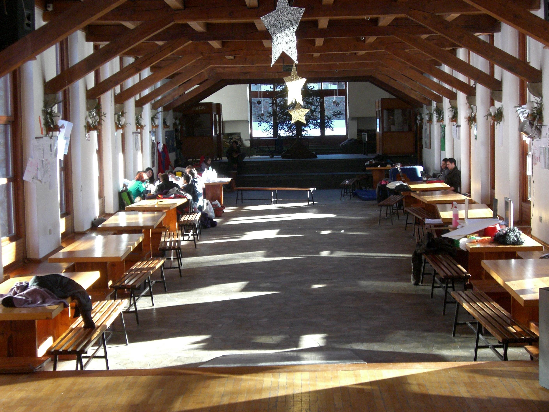 Il salone del centro ecumenico Agape